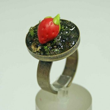 Salomé Osorio | Rings Strawberry Ring